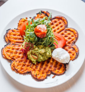 Gaufre avocat Cafe Mareva Paris