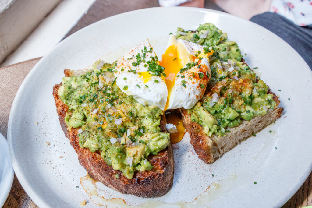 Avocado toast fragments Paris
